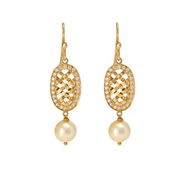 Exemplary Pearl and Diamond Earrings in 18K Yellow Gold