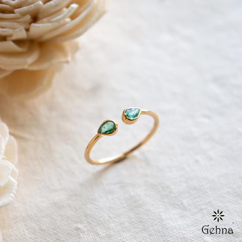 Enigmatic Emerald 18K Gold Ring