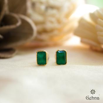 Evergreen Onyx 18K Gold Stud Earrings
