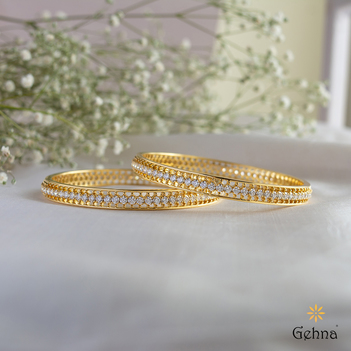 Dynamic Diamond and 18K Gold Bangle (2'6 Size & 1pair)