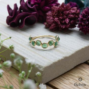 Charming Emerald 18K Gold Eternity Ring